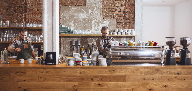 профессиональная традиционная кофемашина LA MARZOCCO LINEA GB5